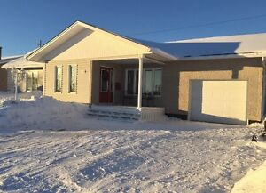 4 Bedroom, 2 Bath Bungalow...702 MacDonald.. Call Today to View!