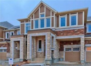 Spacious 4 Bed Townhome In Oakville For Sale!