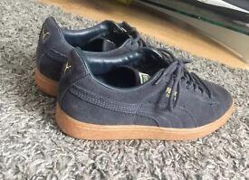 """Puma """"suede"""" shoes size 8"""