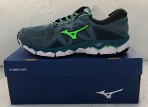 NEW - Men Running Shoes - 9.5 - Mizuno