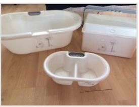 Whinnies the pooh starry night bath top and tail bucket & 2 tier box