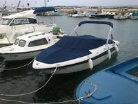 2008 Four Winns 18FT Bowrider in like new condition. $16500