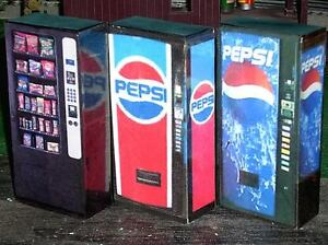 1-18-Scale-Vending-Machines-for-Dioramas-and-Dollhouses