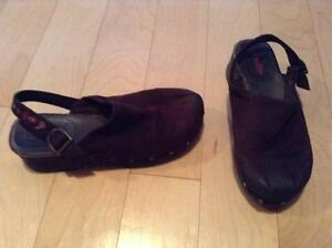 Wizards of waverly place slipper shoes size 4