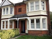 2 bedroom flat in Hill Road, Chelmsford, CM2