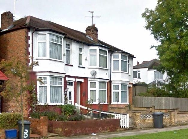 3 bedroom house in Hillview Gardens, Hendon, NW4