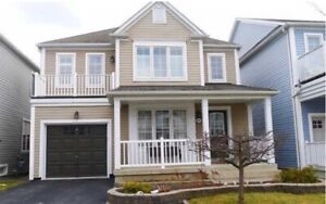 Detached house in Lakeside community $2,500