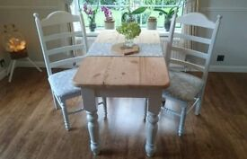 Farmhouse table chairs laura Ashley