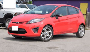 2013 Fiesta Titanium 28000km ONLY,no accidnt,warranty,snow tire!