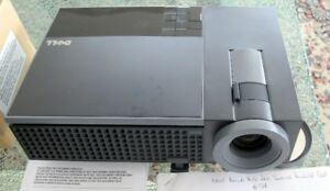 Dell 1409X Projector - Extra Lamp, Pointer, Remote, Carry Case