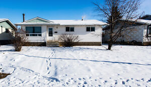A Nice entire bungalow on Rent in Thickwood- ASAP- location!!!