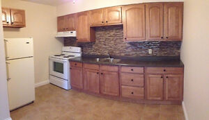 Beautiful Two Bedroom - Mature Adults/Professionals