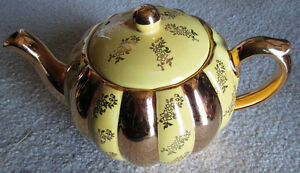 STATE GIBSONS ENGLAND TEAPOT YELLOW WITH GOLD OVERLAY