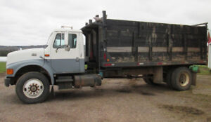 1999 International 4900 DT466E Diesel 5 ton truck