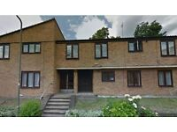 3 bedroom flat in Woodburn Close, Hendon, NW4
