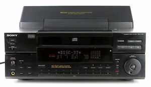 DISK MEGASTORAGE STEREO CD PLAYER/CHANGER SONY CDP-CX100 CD-10 West Island Greater Montréal image 5