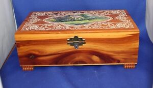 Vintage hardwood Keepsake Box, lovely scene & etching Kingston Kingston Area image 2