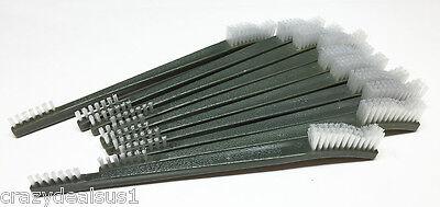 Plastic Cleaning Brush (20pc 7