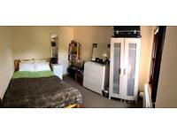 Fully furnished, spacious double room in a lovely, recently refurbished house near city centre