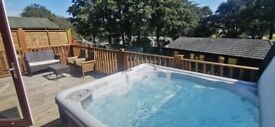 Pre owned Lodge with hot tub on Devon hills Paignton