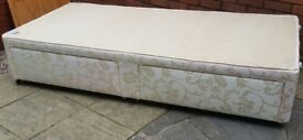 single divan bed base with 2 under-bed storage drawers. good quality. In excellent condition.
