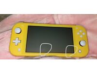 Nintendo Switch lite / handheld Yellow