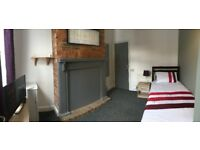 MAGNIFICIENT ROOM AVAILABLE CLOSE TO CITY CENTER