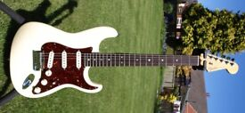 IMMACULATE FENDER AMERICAN 6OTH ANNIVERSARY DELUXE STRATOCASTER