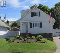 Show Pride of Ownership! Beautiful Detached in Elliot Lake.