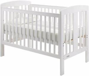 Grotime Pearl 4 in 1 cot (white) and mattress Floreat Cambridge Area Preview