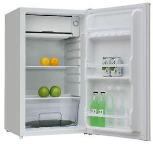Mini frigorifero tavolo da ufficio classe a frigobar - Frigorifero da camera ...