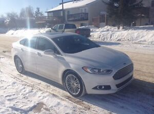 REDUCED!! 2013 Ford Fusion AWD!! LEATHER!! New condition!!