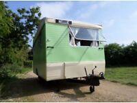 Vintage Classic CL Europa Caravan