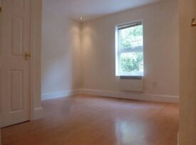 1 bed modern flat unfurnished, available 4th March, walking distance to hospital and university