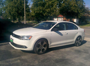 2012 Volkswagen Jetta 2.0 with set of winter tires