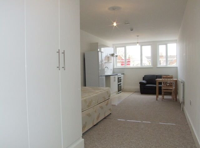 BRAND NEW STUDIO'S FLATS TO RENT - ALL BILLS INCLUDED EXCEPT COUNCIL TAX