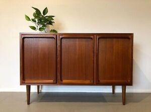 Mid Century Danish Retro Chiswell Sideboard Buffet Cabinet Credenza