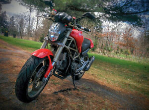 2000 Ducati Monster 900 IE (injection, entretien, carbon)