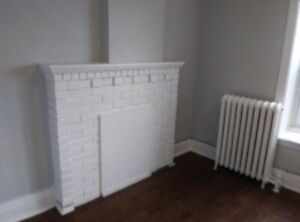 1 bedroom apartment available $1150/month 184.5 Ottawa st N