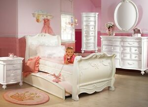 disney princess 5 piece full sleigh bed bedroom set disney princess