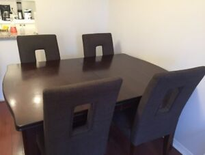 Beautiful Dark Wooden Extendable Dining room table