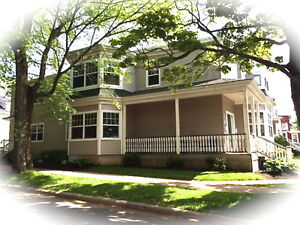 4 BEDROOM FLAT IN CENTRAL HALIFAX - EVERYTHING INCLUDED - SEPT 1