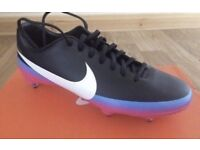 Brand New Nike Football Boots (Size 7)