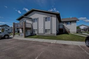 Unique & Newer 6 Plex with (5) 2 Bedroom Units, AB Side