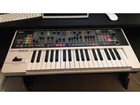 Roland Gaia SH-01 Synthesiser master keyboard