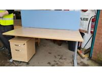 Straight office desks x4 available £30 each