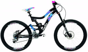 2010 NORCO VIXA FULL SUSPENSION DH BIKE AND GEAR!!