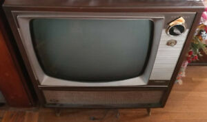 Vintage TV, ADMIRAL, Black and White on swivel stand