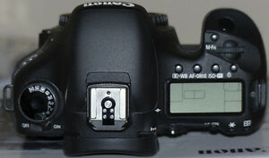 As new Canon EOS 7D Mark 1 body with add-ons London Ontario image 4