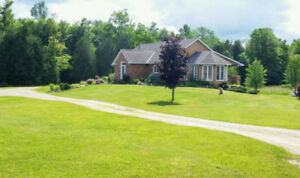 Beautiful Grey Ridge Cottage Vacation Rental